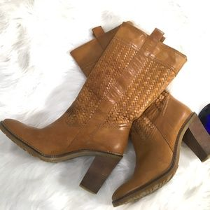 COLE HAAN DALLON Woven Leather Boots Sz7.5B  i547